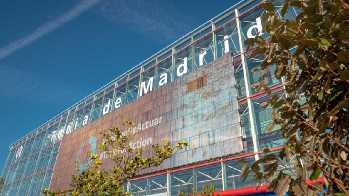 Surto de COVID-19 causa atraso de EXPODENTAL Madrid